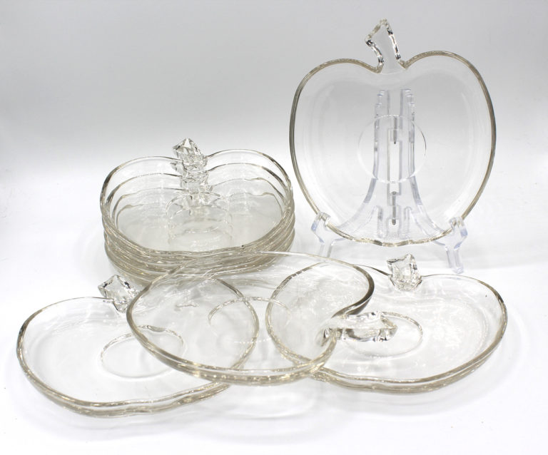Vintage Clear Glass Apple Snack Plates Set   Whispering City RVA