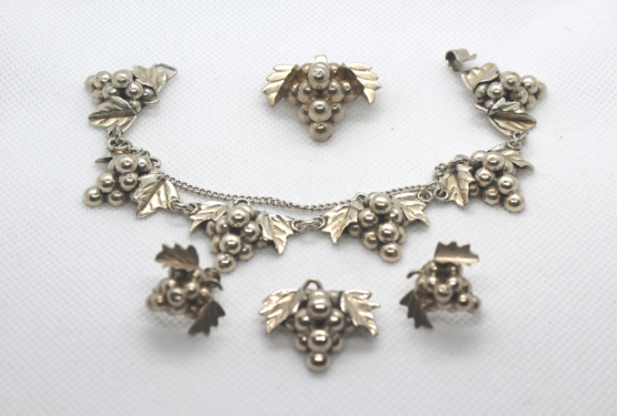 Vintage sterling sliver jewelry at Whispering City RVA
