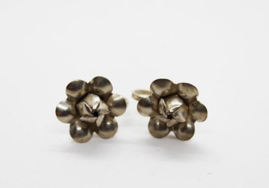 Vintage Sterling Silver Flower Earrings | Whispering City RVA
