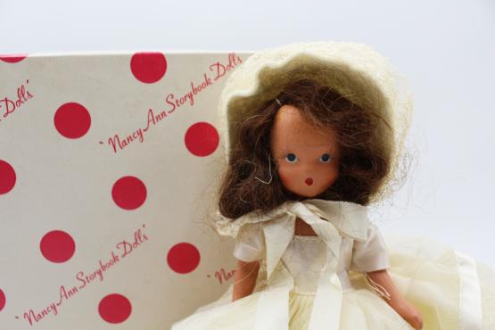 Vintage Nancy Ann Storybook Doll (NASB) Winter #93   Whispering City RVA