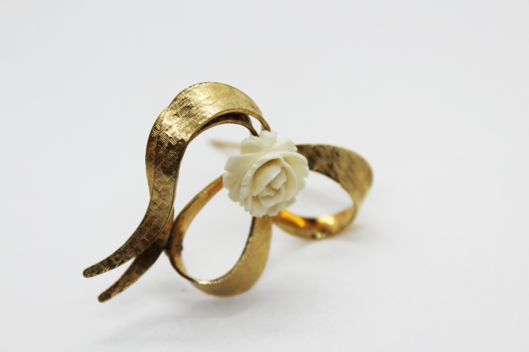 Vintage Winard 12K Gold Filled Celluloid Rose Heart Brooch | Whispering City RVA