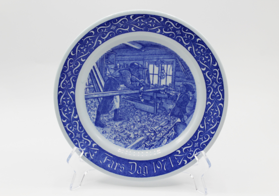 1971 Rorstrand Fars Dag Father's Day Porcelain Collectors Plate at Whispering City RVA
