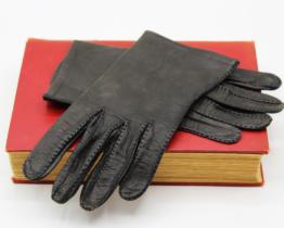 Vintage Ladies Gloves Black Leather Shorties | Whispering City RVA