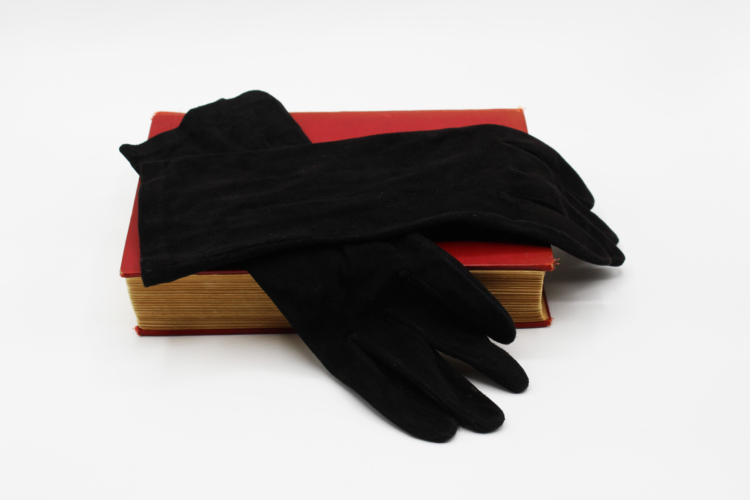 Vintage Grandoe Ladies Gloves Black Suede Bracelet Length | Whispering City RVA